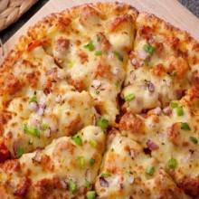 牛男手造比萨