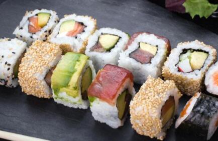 寿司店怎么选址?丫米寿司加盟怎么做?